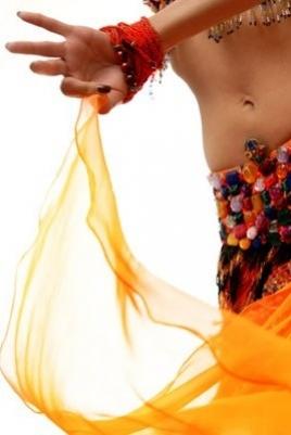 Открытый урок по восточным танцам постер
