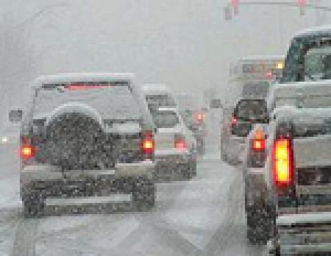 Первый снегопад в столице Марий Эл привел к неразберихе на дорогах