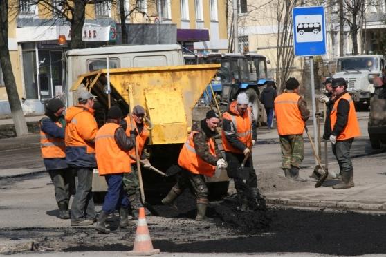 Дорожную технику перекинули на улицу Строителей