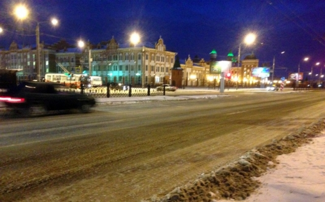 Коммунальные службы Йошкар-Олы убирают дороги города от снега и в ночное время