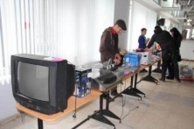 Судебные приставы продали за день арестованное имущество на сумму более трех тысяч рублей