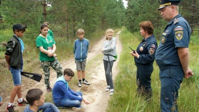 Участники палаточного лагеря помогли, заблудившемуся грибнику выйти из леса