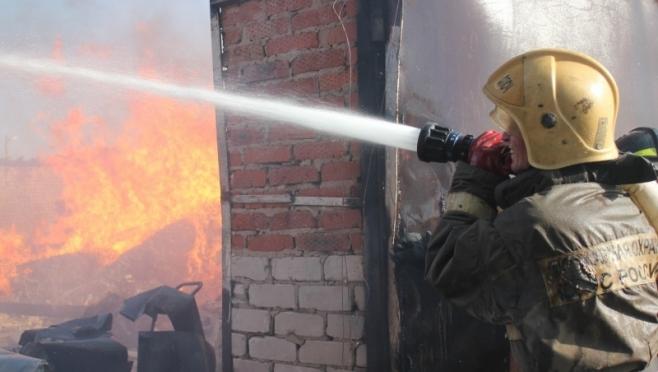 В Морках из-за детской шалости в сарае сгорел бык