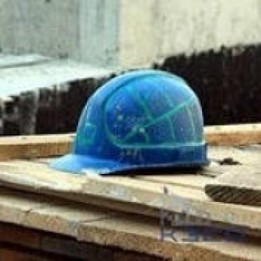 За смерть рабочего две строительные фирмы заплатили 73000 рублей