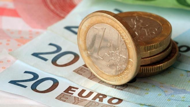 Евро продолжает бить рекорды