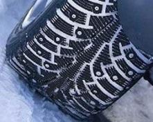 Автовладельцам советуют не спешить с покупкой шипованной резины