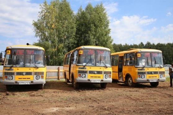 Три новых автобуса получили школы Горномарийского района