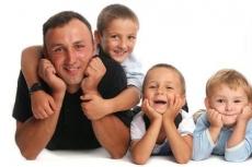 Многодетных отцов теперь не смогут уволить с работы