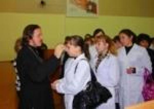 В Марий Эл будущих медиков на путь истинный наставляют священнослужители