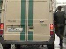 В столице Марий Эл «девяносто девятая» протаранила инкассаторский «УАЗ»
