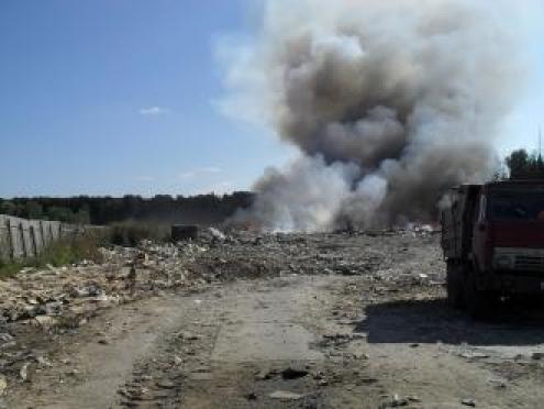 Пожар на полигоне твердых бытовых отходов в д.Аксакарка (Марий Эл) локализован
