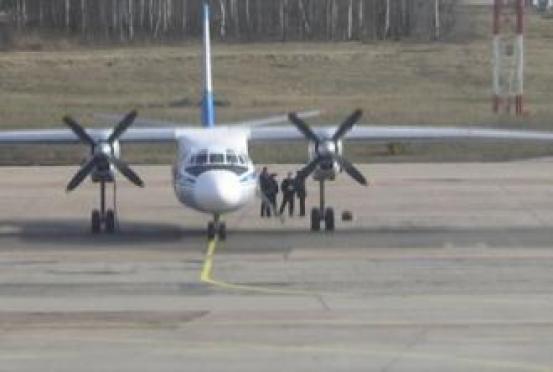 В аэропорту Йошкар-Олы предстоит посадить самолет с горящим двигателем