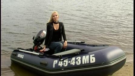 Блондинка на воде