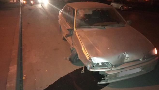 В Йошкар-Оле «ВАЗ-2115» сбила человека и протаранила две машины