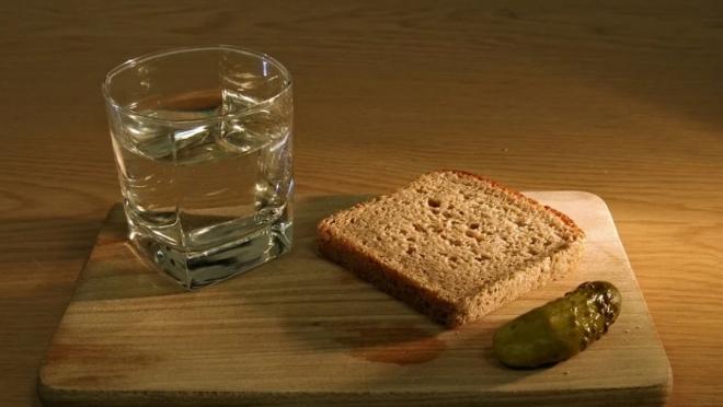 Водка, сушки, гречка – в Роскачестве назвали самые безопасные продукты
