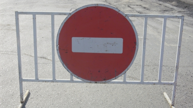 На 10 дней закрыто движение во дворе дома № 49 по ул. Свердлова