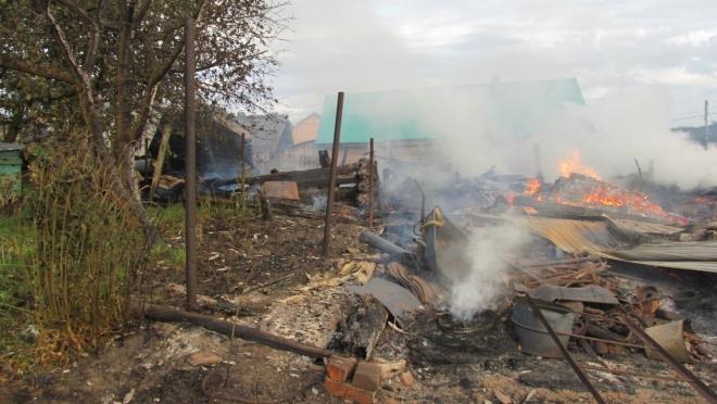 Шаровая молния стала причиной крупного пожара в Куженерском районе