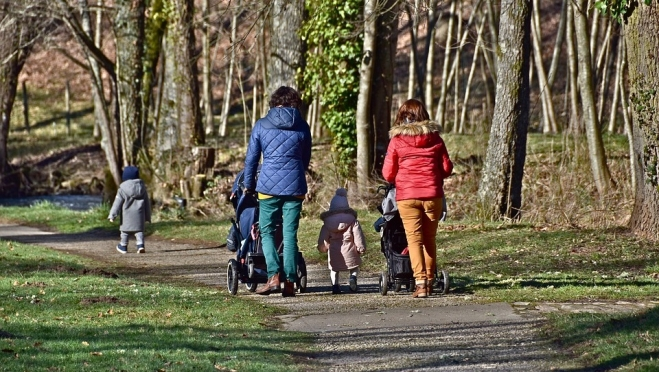 Две россиянки в возрасте за 60 родили первенцев