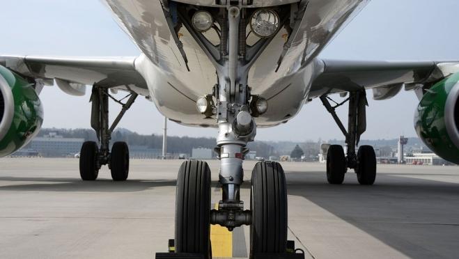 Воздушное сообщение с зарубежными странами приостановлено ещё на месяц