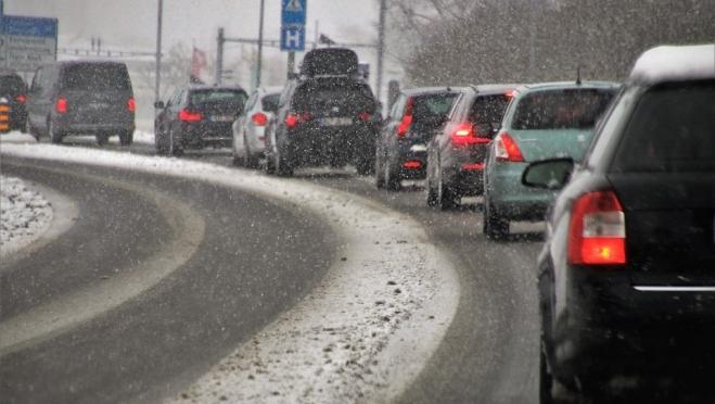 Инженеры нашли способ борьбы со снегом и льдом на российских дорогах