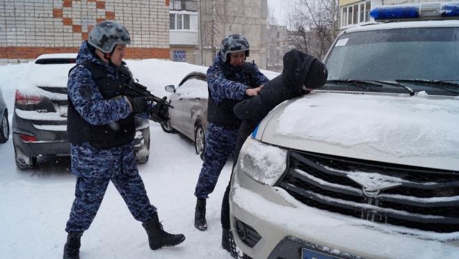 В Йошкар-Оле 19-летний студент промышлял кражей бензина