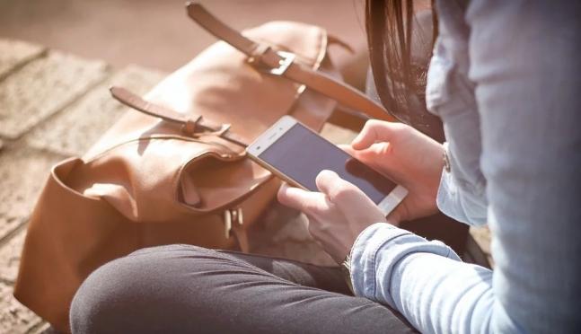 В поликлинике Козьмодемьянска девочка лишилась телефона