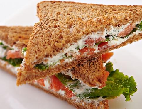 Открываем бизнес по доставке еды: какие могут быть варианты?