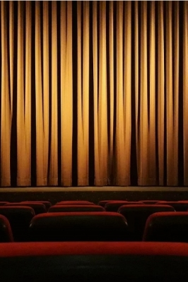 Театр Вахтангова в формат онлайн трансляций