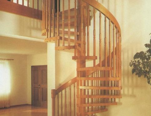 Лестницы на деревянных косоурах