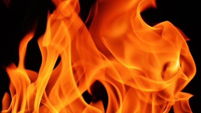 В Волжске из горящей квартиры спасли пожилую женщину