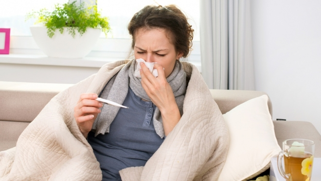 Роспотребнадзор предупреждает о риске одновременного заражения коронавирусом и гриппом
