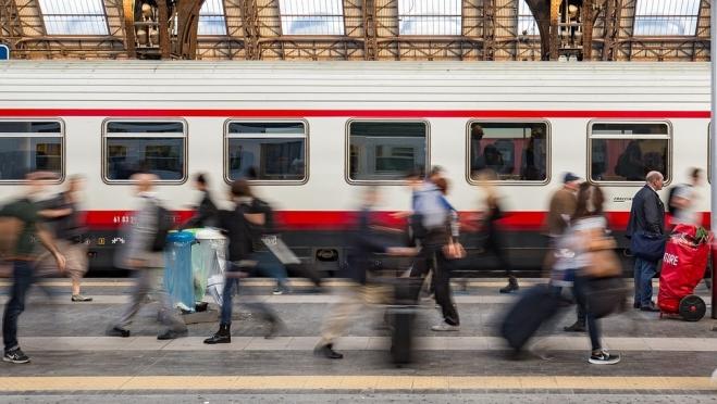 Пассажиры 60+ могут оформить железнодорожные билеты со скидкой 40%