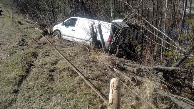 В Звениговском районе Mercedes Benz вылетел в кювет