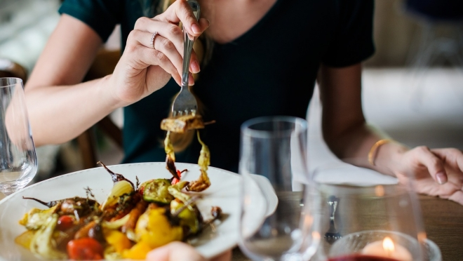 33% женщин идут на свидание ради бесплатного ужина
