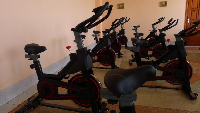 Для спортсменов-инвалидов закуплены 8 спин-байков и 3 гребных тренажёра