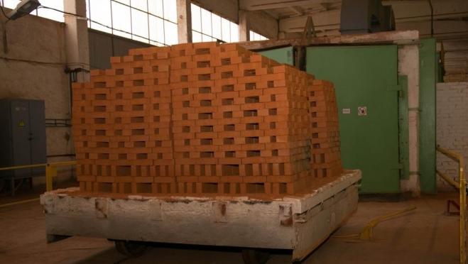 Кирпичный завод в Советском погасил долги после ареста имущества