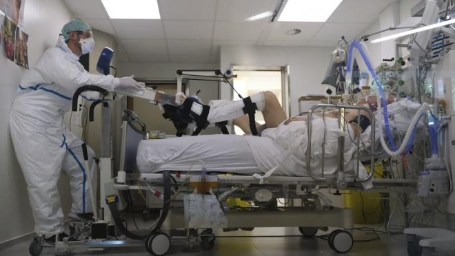 В инфекционных стационарах Марий Эл находятся 207 человек в тяжёлом состоянии