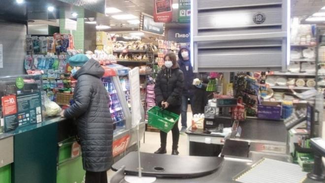 В Марий Эл продавцы в магазинах вправе отказать в обслуживании посетителю без маски
