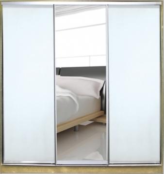 Двери купе с зеркалом и крашенным стеклом