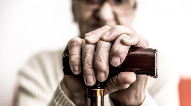 Как оформить пособие по уходу за пожилым человеком