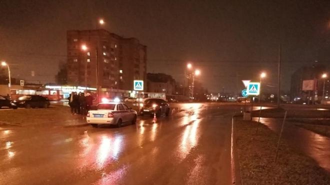 В Йошкар-Оле иномарка на пешеходном переходе сбила пенсионерку
