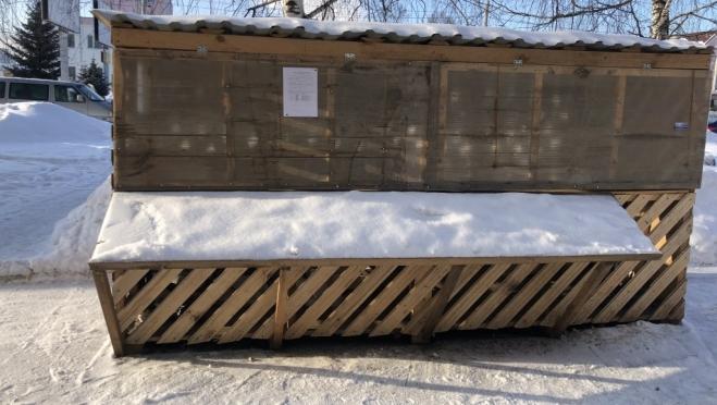 В Йошкар-Оле обнаружили самовольно установленную торговую палатку