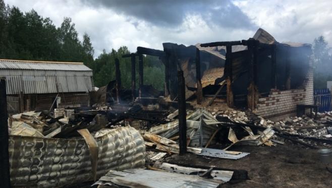В Моркинском районе местные жители спасли на пожаре человека