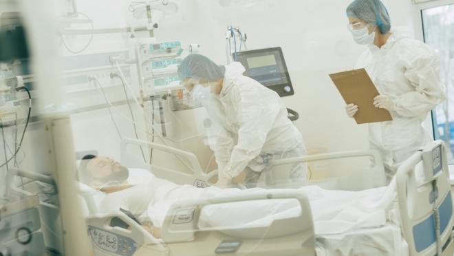 В инфекционные отделения накануне госпитализировали рекордное количество людей – 192