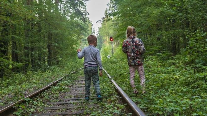 «Развлечения» детей на железной дороге могут привести к печальным последствиям