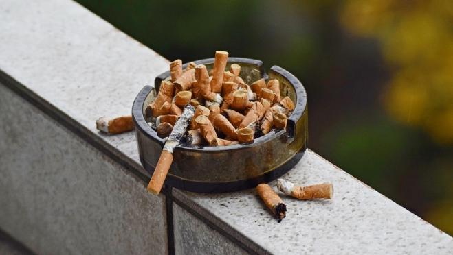 Чиновники решили вывести табак из легального оборота