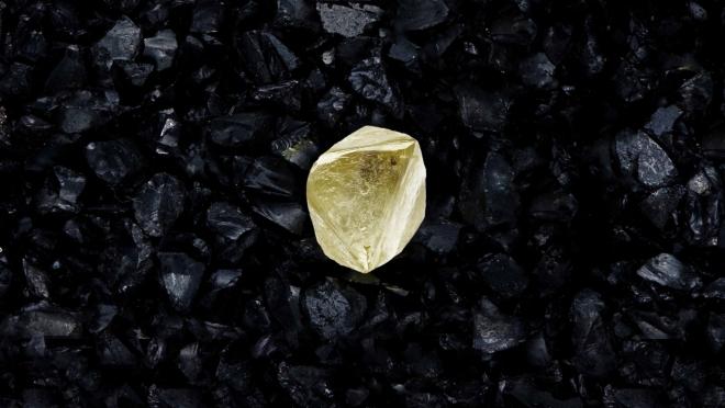В России ювелирному алмазу дали имя «Спутник V»