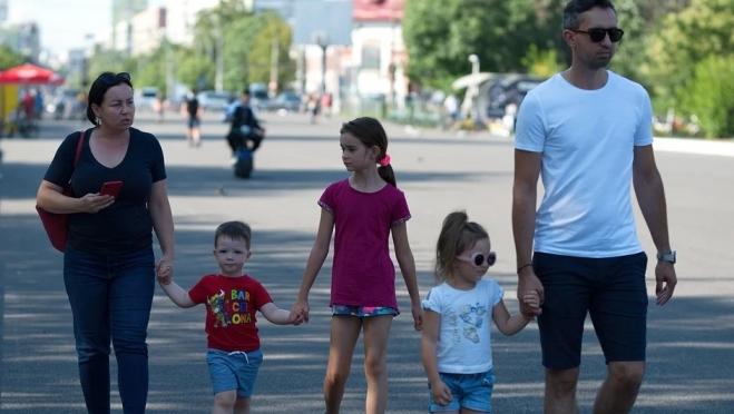 Многодетным родителям предложили увеличить отпуск
