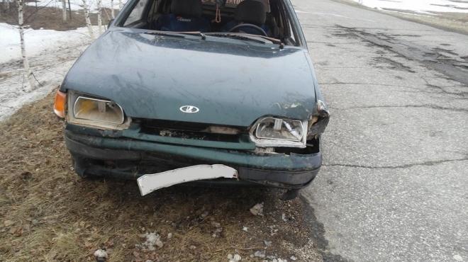 В Марий Эл пьяный мужчина на чужой машине врезался в дерево