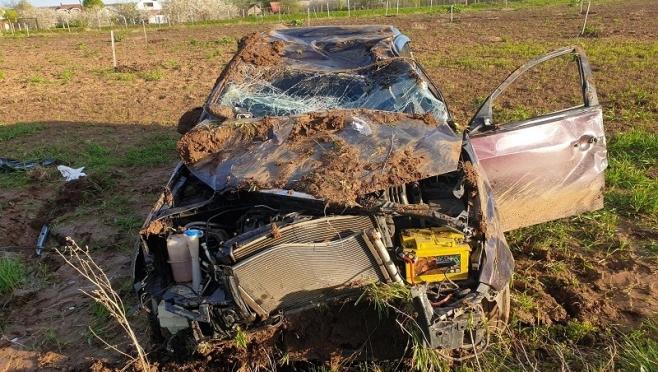 В Горномарийском районе пьяный водитель на иномарке перевернулся в кювет